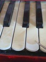 pianokey800.jpg